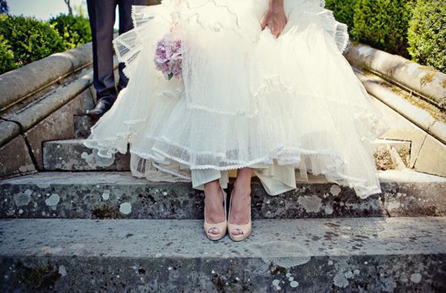 4-pronovias-wedding-dress-and-nude-christian-louboutin-bridal-shoes