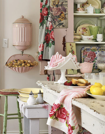 Kitchen-Shabby-Pink-Green-HTOURSS0507-CHICANDDECO