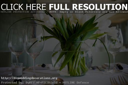 White-tulip-wedding-centerpieces