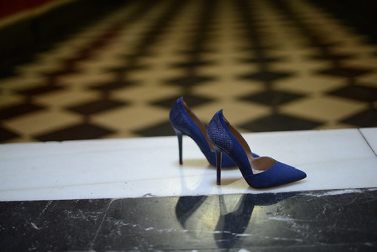 zapatos-invitada-azul-klein