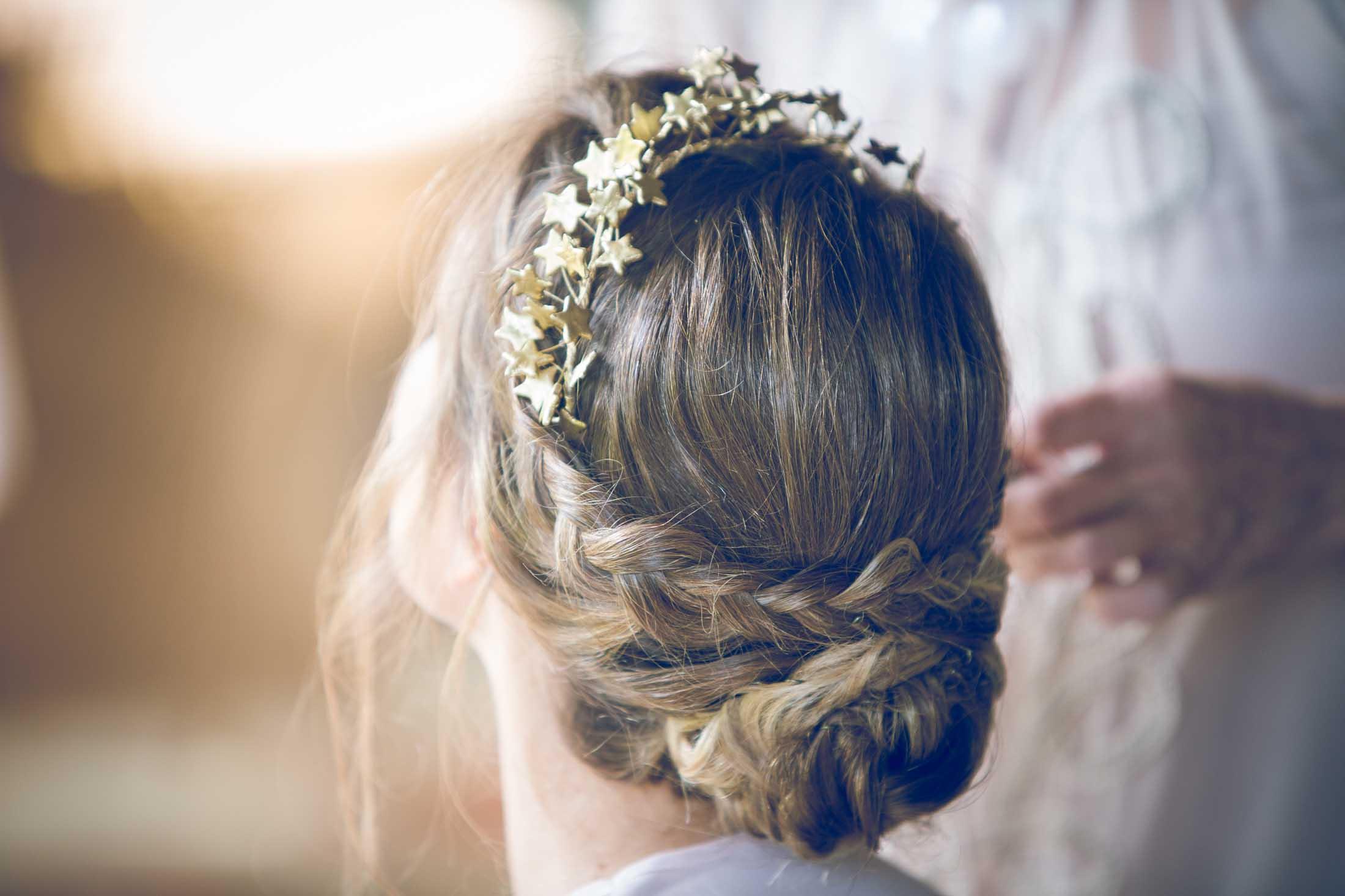 tocado novia dorado