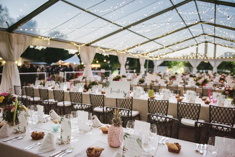 Decoración de banquetes en el exterior para bodas