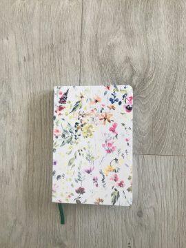 Libreta de hojas blancas